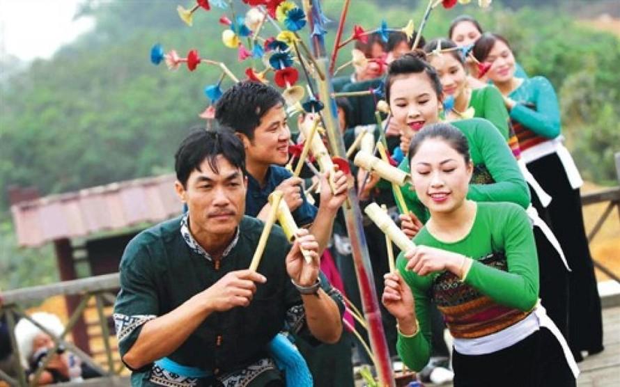 Ưu tiên bảo tồn, phát huy văn hóa truyền thống đồng bào dân tộc thiểu số