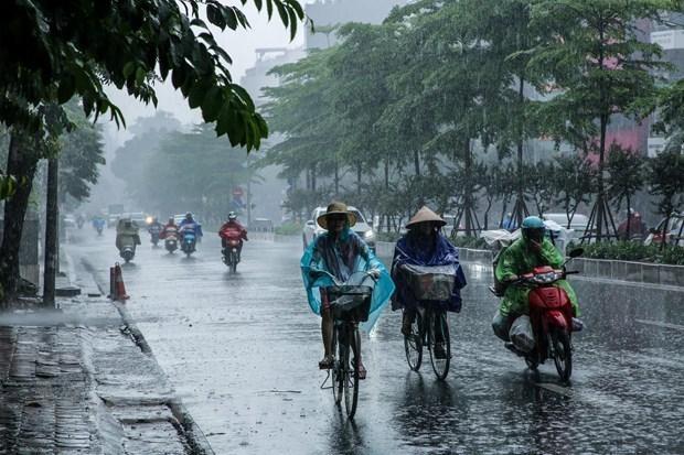 Thủ đô Hà Nội ngày nắng, chiều tối và đêm có mưa dông