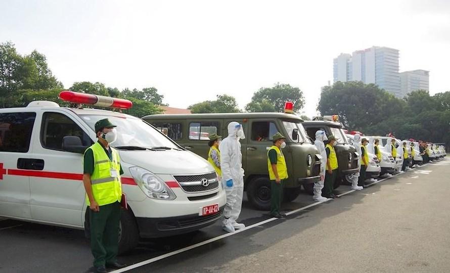 Bộ Quốc phòng bàn giao 30 xe cứu thương hỗ trợ Thành phố Hồ Chí Minh