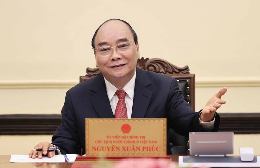 Chủ tịch nước Nguyễn Xuân Phúc điện đàm với Chủ tịch nước Cu-ba