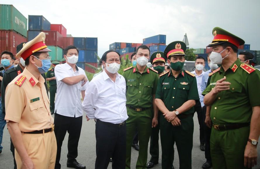 Phó Thủ tướng Lê Văn Thành: Bảo đảm cung ứng đủ lương thực, hàng hoá cho TPHCM