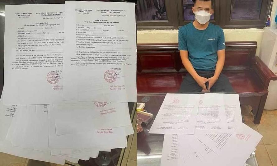 Lực lượng chức năng hát hiện nhiều giấy đi đường được một công ty bảo vệ ở Hà Nội cấp khống.