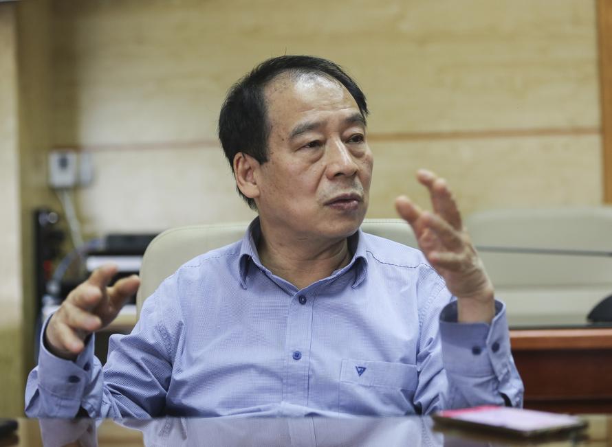 PGS Trần Đắc Phu: Đảm bảo sản xuất thì nên để người đã tiêm chủng được trở lại cuộc sống bình thường