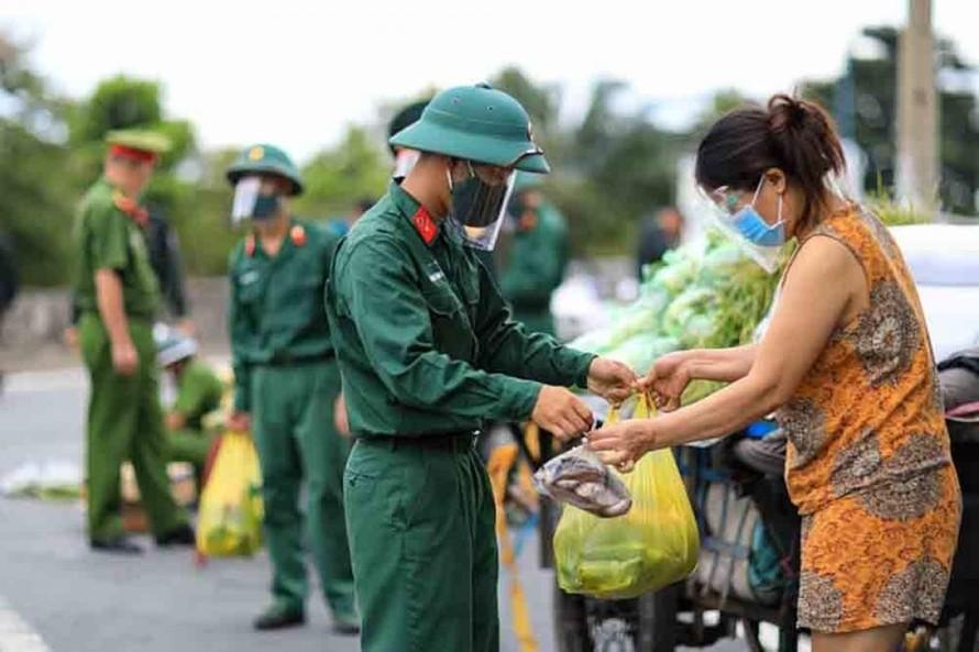 Thủ tướng Chính phủ yêu cầu xử lý nghiêm hành vi hủy đơn hàng 'đi chợ hộ'