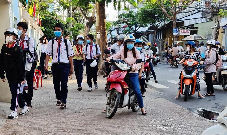 Kiên Giang: Do dịch COVID-19, học sinh cuối cấp học trực tuyến