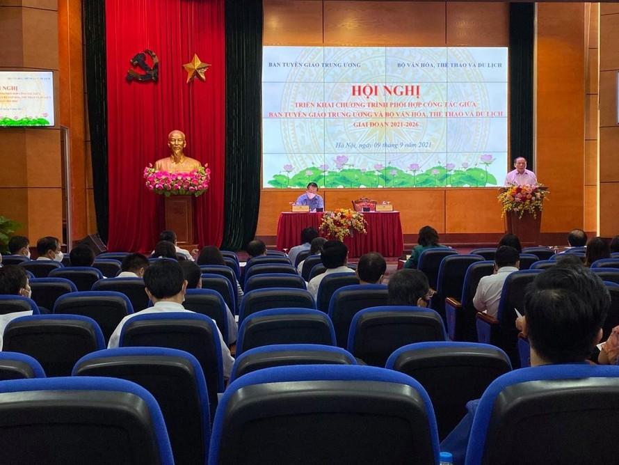 Ban Tuyên giáo TƯ và Bộ VH-TT-DL phối hợp đẩy mạnh phát huy văn hoá dân tộc