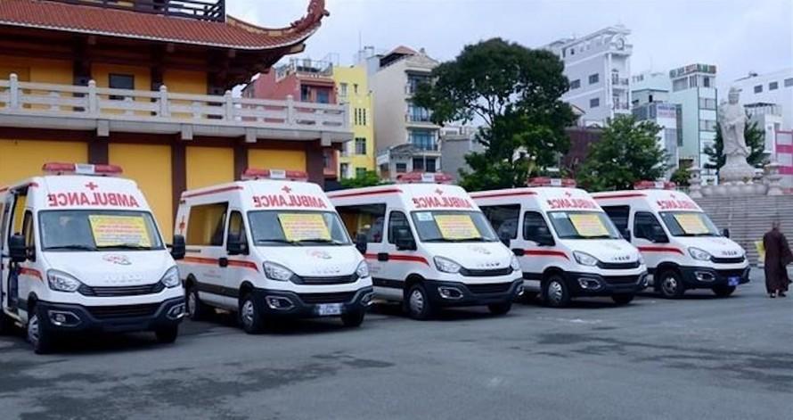 GHPGVN Thành phố Hồ Chí Minh tặng 10 xe cứu thương hỗ trợ phòng, chống dịch COVID-19