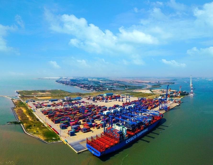 Đầu tư gần 6.500 tỷ đồng xây dựng 2 bến container tiếp nhận tàu trọng tải lớn