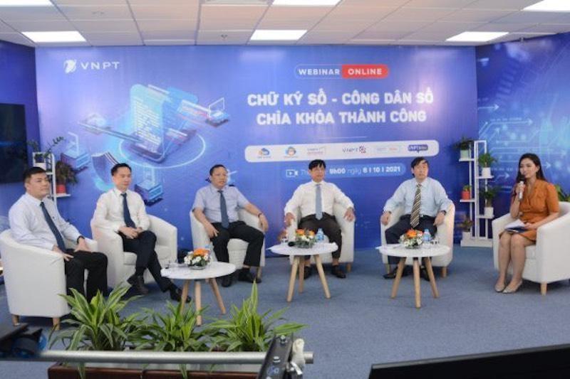 Các diễn giả tham gia hội thảo Chữ ký số, Công dân số Chìa khóa thành công.