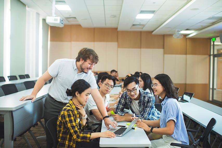 Tham gia cuộc thi VGCC, các đội thi sẽ được rèn luyện kỹ năng làm việc nhóm, nghiên cứu, tổng hợp và phân tích vấn đề và xa hơn nữa là tư duy giải quyết vấn đề và khả năng lãnh đạo.