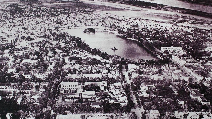 Hồ Gươm và sự đổi thay sau quy hoạch của Pháp