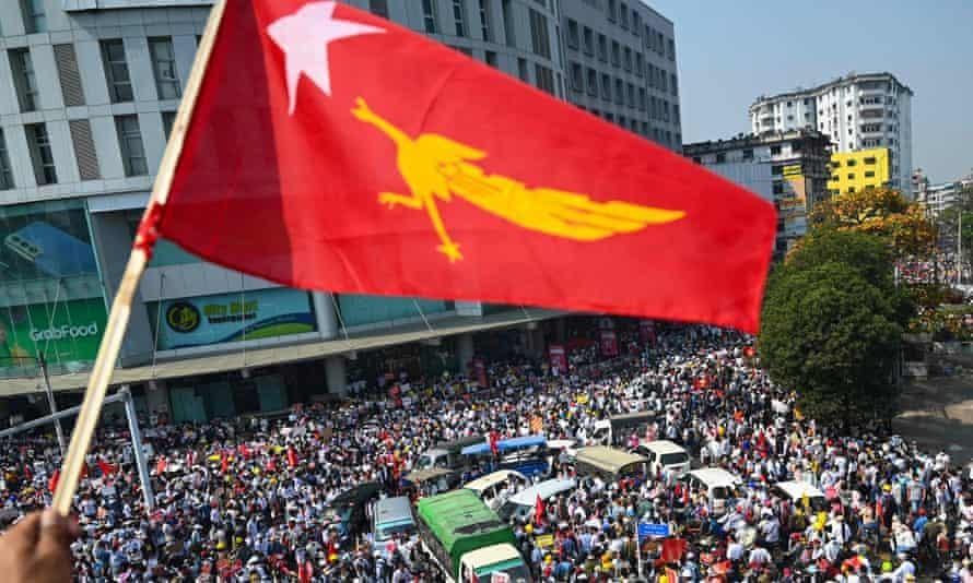 Các nhà báo ở Myanmar đã bị bắt trong cuộc đàn áp khi chính quyền cố gắng thắt chặt kiểm soát luồng thông tin. (Ảnh: AFP)