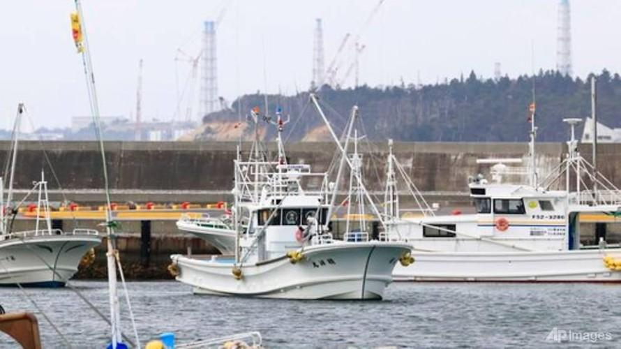 Các tàu đánh cá được tại cảng Ukedo, Fukushima, Đông Bắc Nhật Bản, vào ngày 13/4/2021. (Ảnh: Kyodo News)