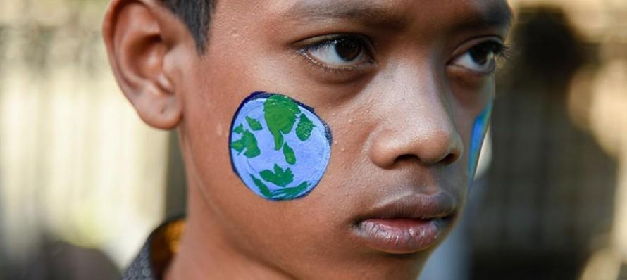 """""""Cuộc chiến chống biến đổi khí hậu bắt đầu ở trường học."""" (Ảnh: UNESCO)"""