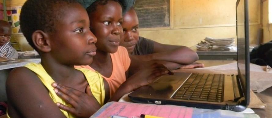 UNESCO và Microsoft triển khai dự án thu hẹp khoảng cách giới tính trong công nghệ