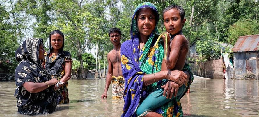 Lũ lụt đang gia tăng trên khắp thế giới do biến đổi khí hậu. (Ảnh: UN Women/Mohammad Rakibul Hasan)