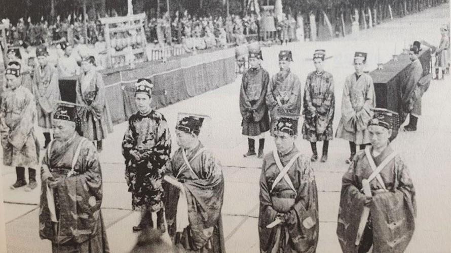 Lễ khai giảng thời xưa được xem là một ngày lễ lớn với tầng lớp Nho sĩ, có nhiều nghi thức phức tạp dành cho quan lại và giám sinh trong triều. Ảnh: Thanh niên.