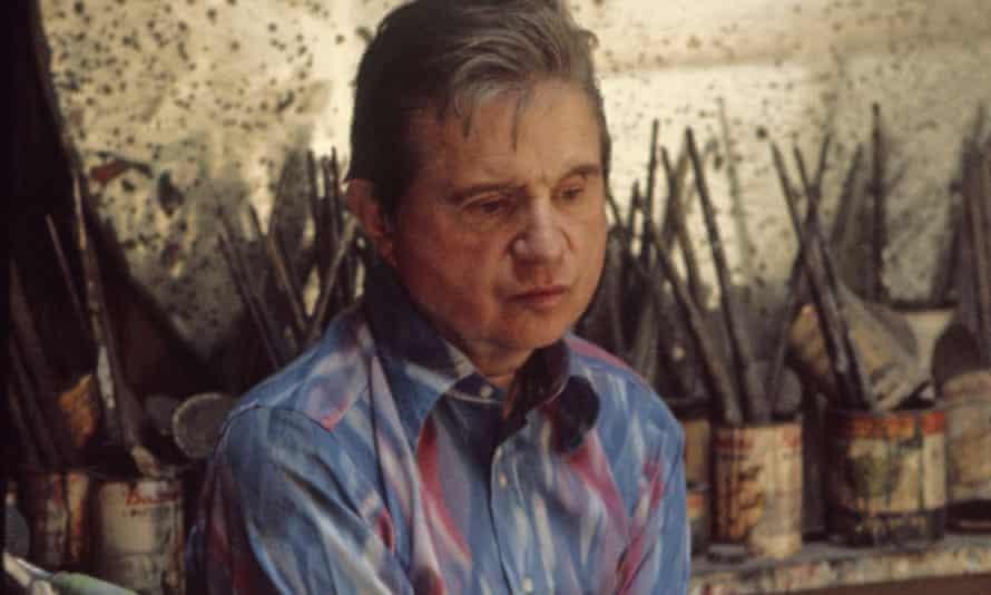 Francis Bacon trong studio của mình ở London năm 1974. Ảnh: Alarmy
