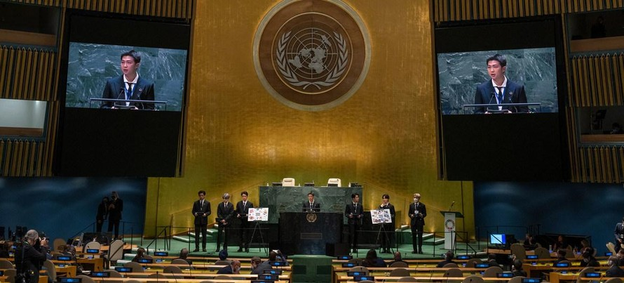 Các nhà lãnh đạo thế giới và BTS tham gia cùng Tổng thư ký Liên hợp quốc António Guterres để kêu gọi đưa các SDGs trở lại đúng hướng. Ảnh: