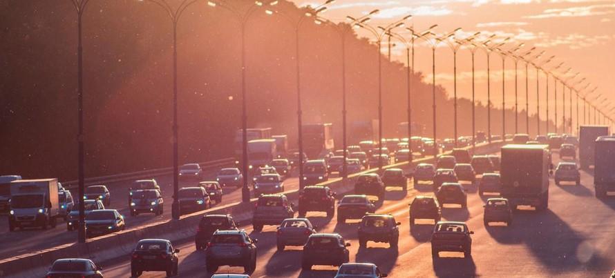 Giao thông vận tải là một tác nhân gây ô nhiễm không khí rất lớn. Ảnh: Alexander Popov