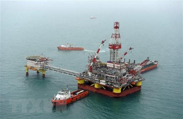 Một cơ sở khai thác dầu của Nga trên biển Caspian. (Ảnh: AFP/ TTXVN)