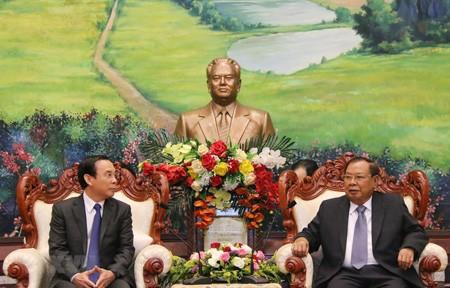 Tổng Bí thư, Chủ tịch nước CHDCND Lào Bounhang Volachith tiếp Bí thư Trung ương Đảng, Chánh Văn phòng Trung ương Đảng Cộng sản Việt Nam Nguyễn Văn Nên.