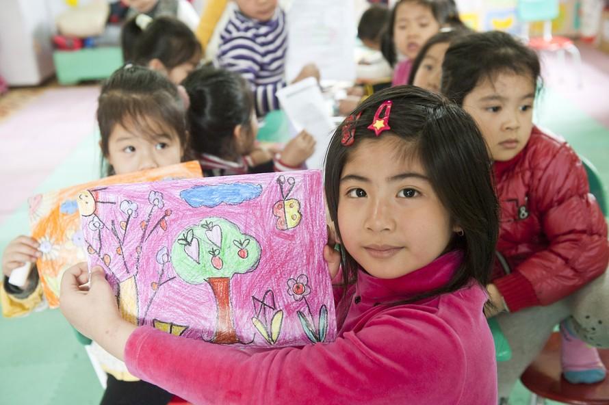 Chiến dịch 'Lọ đựng tình thương' hỗ trợ Làng trẻ em SOS Việt Nam
