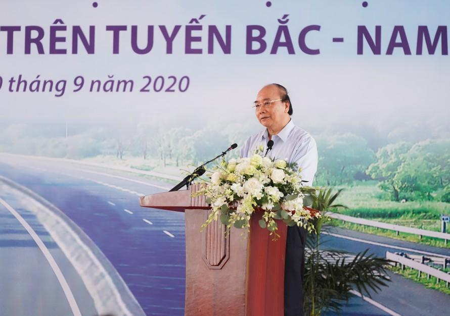 Thủ tướng Nguyễn Xuân Phúc phát biểu tại lễ khởi công - Ảnh: VGP/Quang Hiếu