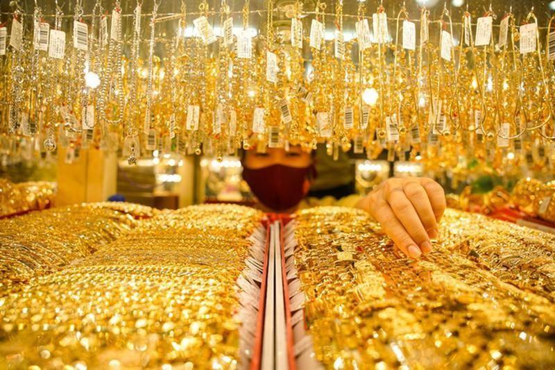 Giá vàng tăng mạnh, đạt mức cao nhất trong tuần