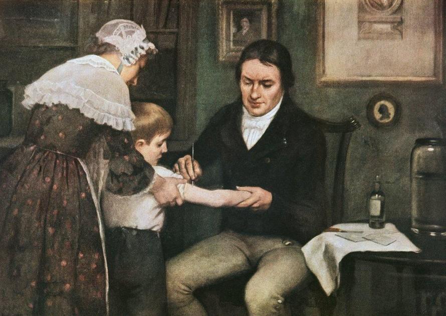 Nhìn lại gần 80 năm tìm ra vaccine của nhân loại