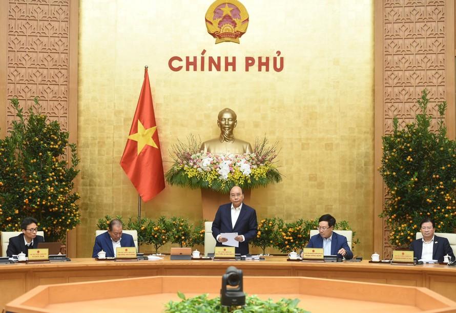 Thủ tướng Nguyễn Xuân Phúc chủ trì phiên họp Chính phủ tháng 1/2021. Ảnh: VGP/Quang Hiếu