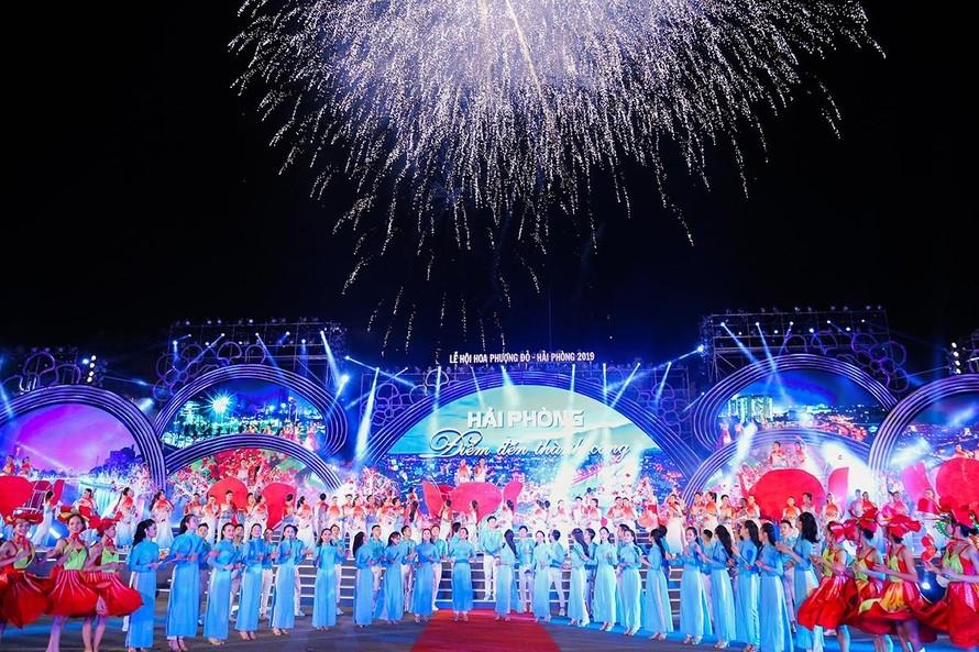 """Lễ hội Hoa Phượng Đỏ – Hải Phòng 2021 từ ngày 11-13/5 với chủ đề """"Hải Phòng – Điểm đến thành công""""."""