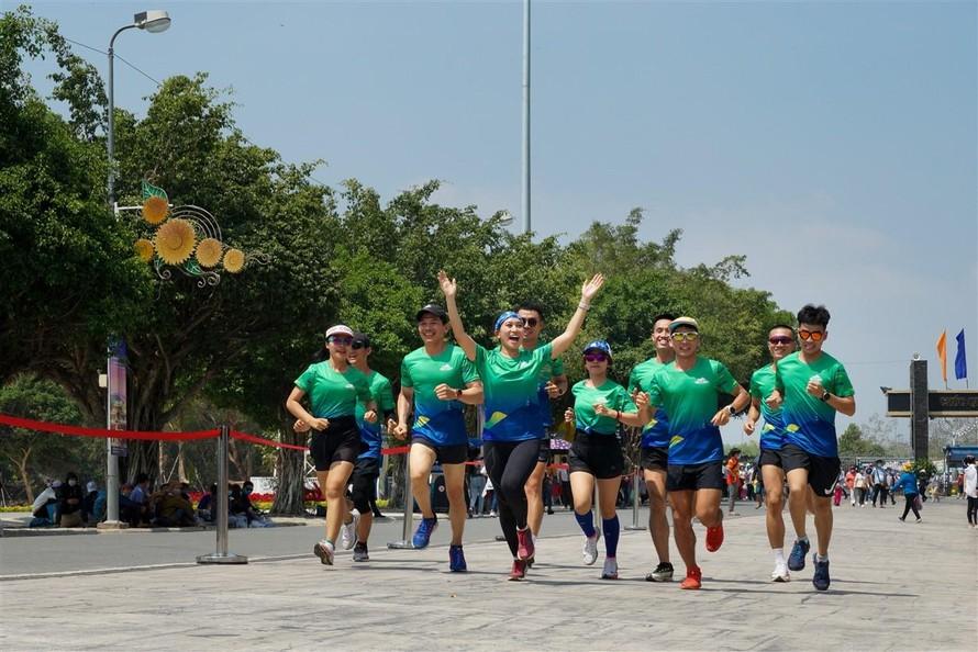 Giải chạy BaDen Mountain Marathon 2021 trên cung đường tuyệt đẹp của Tây Ninh