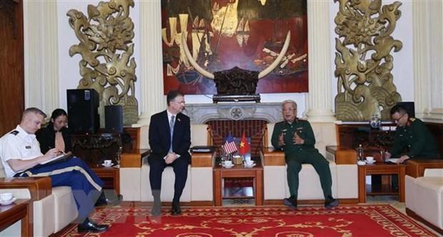 Thượng tướng Nguyễn Chí Vịnh và ông Daniel J. Kritenbrink tại buổi tiếp. (Nguồn: TTXVN/phát)