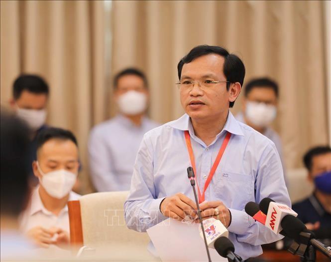 Cục trưởng Cục Quản lý chất lượng (Bộ Giáo dục và Đào tạo) Mai Văn Trinh phát biểu và trả lời các câu hỏi của phóng viên trong buổi họp báo. Ảnh: Thanh Tùng - TTXVN