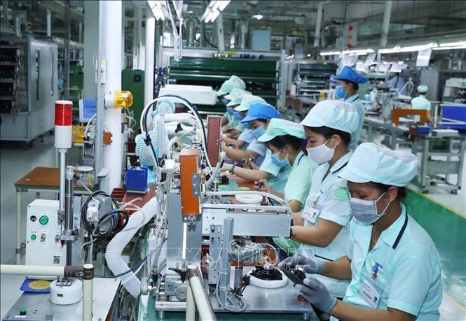 Sản xuất các loại loa và tai nghe điện thoại di động tại nhà máy của Công ty TNHH Điện tử Foster (Bắc Ninh), tại Khu Công nghiệp Đô thị và Dịch vụ VSIP Bắc Ninh, xã Phù Chẩn, thị xã Từ Sơn, tỉnh Bắc Ninh. Ảnh minh họa: Thống Nhất/TTXVN