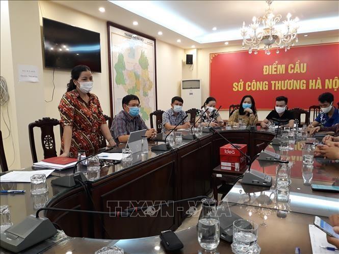 Bà Trần Thị Phương Lan, Quyền Giám đốc Sở Công Thương Hà Nội phát biểu tại buổi làm việc. Ảnh: Phương Anh/TTXVN