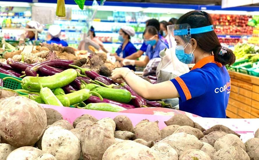 Hàng hóa tại các siêu thị hiện đã khá dồi dào.