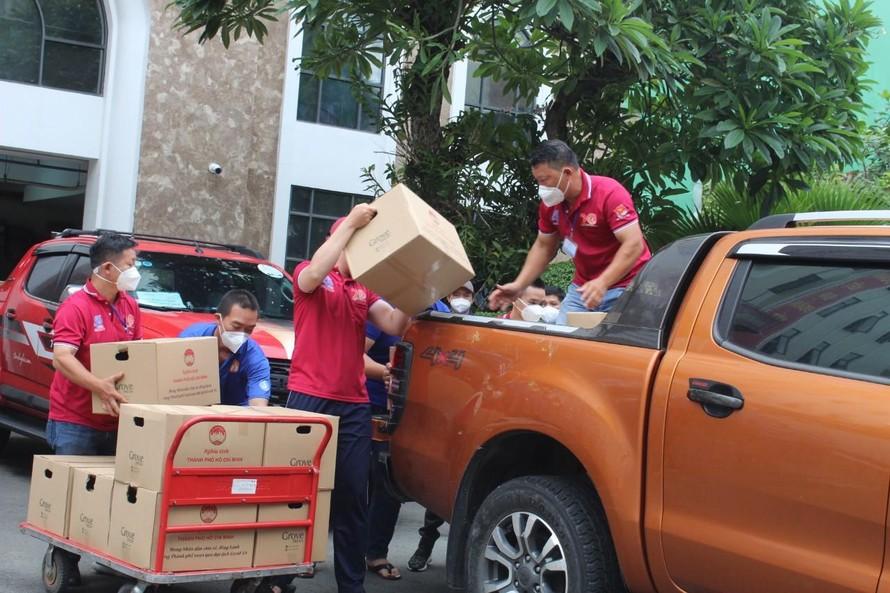 Các xe phục vụ công tác từ thiện cần phải có giấy xác nhận của các cơ quan chức năng để được lưu thông.