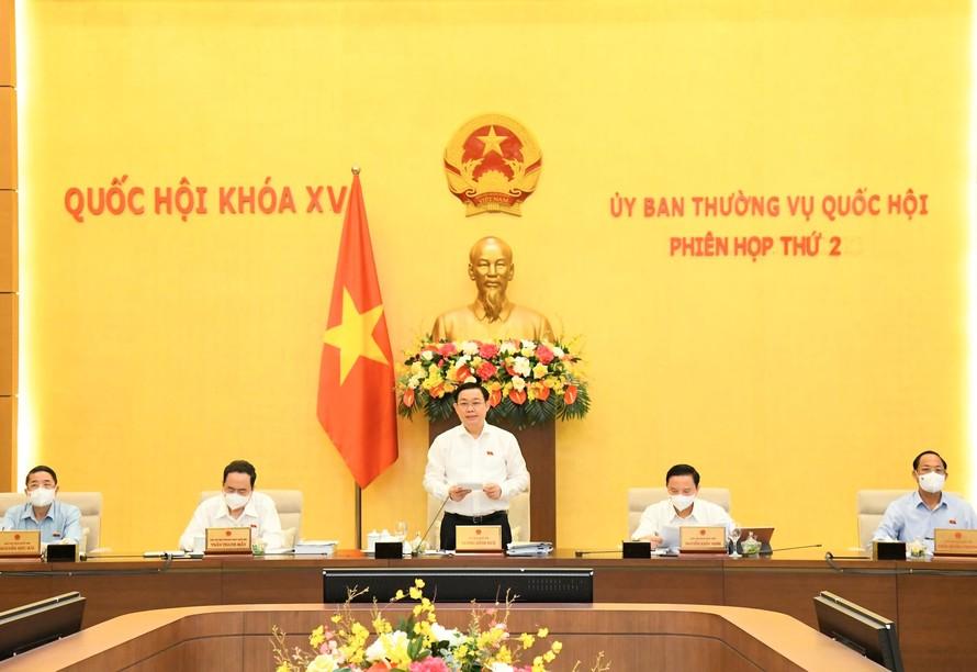 Chủ tịch Quốc hội Vương Đình Huệ phát biểu khai mạc phiên họp. Ảnh:VGP/Nguyễn Hoàng