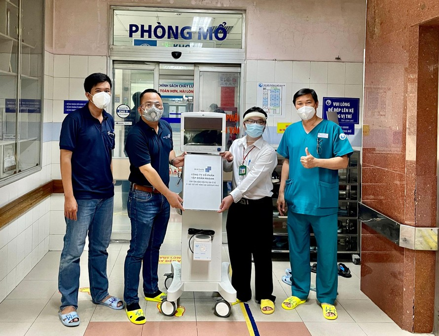 Tập đoàn Masan trao tặng máy thở CARESCAPE R860 cho Bệnh viện Từ Dũ