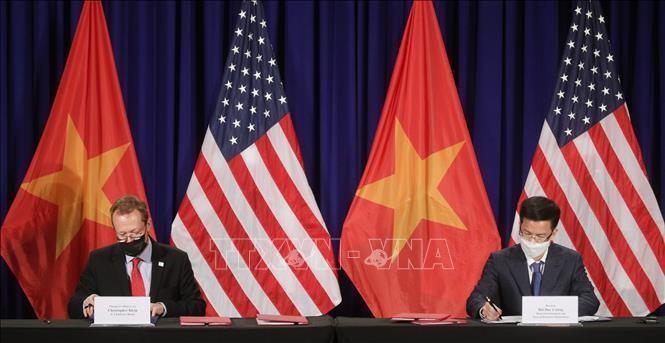 Lễ ký thỏa thuận thuê đất xây dựng trụ sở mới của Đại sứ quán Hoa Kỳ tại Việt Nam. Ảnh: TTXVN