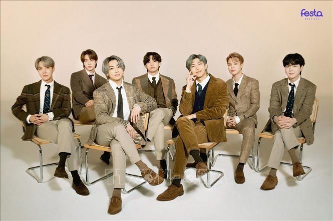 Các thành viên nhóm nhạc nam của Hàn Quốc BTS. Ảnh: YONHAP/TTXVN