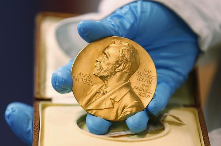 Theo thông báo ngày 23/9 của Quỹ Nobel, những người đoạt giải sẽ được trao các huy chương và bằng khen ngay tại quê nhà của họ. Ảnh: japantimes.co.jp