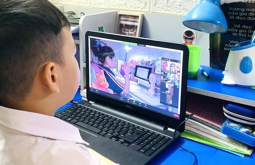Hà Nội tiếp tục dạy và học trực tuyến