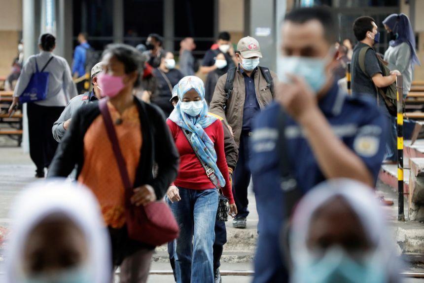 Theo trang Our World In Data, tính đến ngày 2/10, tại Indonesia có 4,22 triệu người mắc và trên 142.000 người tử vong vì COVID-19. Ảnh: Reuters