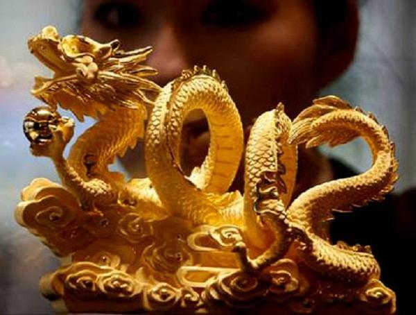 Ý nghĩa của tượng rồng bằng vàng ròng ở Châu Á