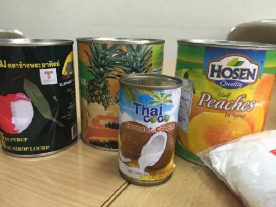 Hà Nội thu giữ nửa tấn thực phẩm không nguồn gốc ở chợ Đồng Xuân