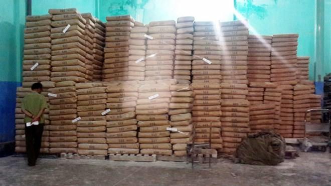 Phát hiện gần 150 tấn bột mì hết hạn sử dụng tại TP.HCM