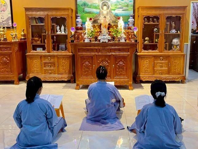 Khi có Phật trong nhà
